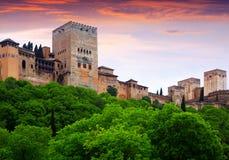Alcazaba em Alhambra no tempo do por do sol granada Fotografia de Stock