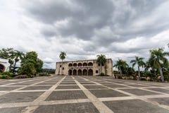 Alcazar de Colon in Santo Domingo un giorno nuvoloso immagini stock libere da diritti