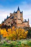 Alcazar von Segovia in der Herbstzeit Stockfoto