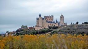 Alcazar von Segovia im November stock footage