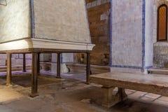 Alcobaca, Португалия - 17-ое июля 2017: Кухня монастыря Santa Maria de Alcobaca Аббатства Шедевр средневековое готического стоковое изображение