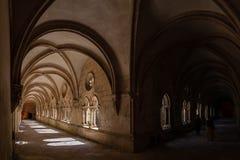 Alcobaca, Portugal Kolonnade Dom Dinis Cloisters im Kloster von Alcobaca-Abtei lizenzfreies stockfoto