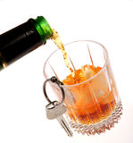 Alcohol de la bebida que conduce clave del coche Foto de archivo