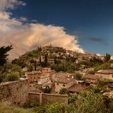 Alcohol místico en la colina de Deia en Mallorca (balneario Fotos de archivo libres de regalías