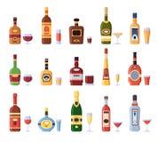 Alcoholflessen en glazen Alcoholische fles met cider, vermouth in glas of likeurschot en geïsoleerde wijnglazen royalty-vrije illustratie