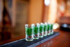 Alcoholische schoten van verschillende dranken bij een partij Royalty-vrije Stock Fotografie