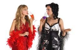 Alcool maturo del veleno di colore della bevanda della donna due Fotografia Stock