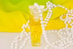 Alcoolici e perle delle perle Immagine Stock Libera da Diritti