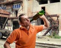 Alcoolique extérieur photographie stock