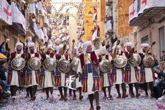 Alcoy Hiszpania, Kwiecień, - 22, 2016: Ludzie ubierający jako Chrześcijański legio Zdjęcia Royalty Free