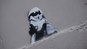 Alcuna dell'arte del fan che è comparso in Malin Head, Irlanda durante la contaminazione di film di Star Wars Immagine Stock