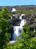 Alcune cascate sulle altezze dell'Islanda fotografie stock libere da diritti
