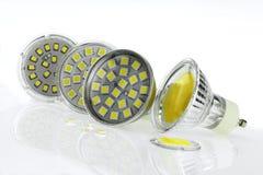 Alcune lampadine di GU10 LED con differenti dimensioni scheggia Fotografie Stock Libere da Diritti