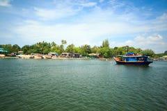 Alcuni dove vicino all'isola Krabi, Tailandia di hong Hong del KOH Fotografia Stock