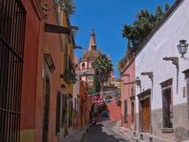 Aldama gata i San Miguel de Allende, MEXICO Royaltyfri Bild