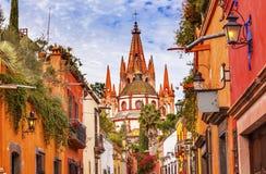 Aldama-Straße Parroquia-Erzengel-Kirche San Miguel de Allende Mexiko Stockfotos