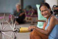 Aldeões de NOK de Sanuan da proibição, província de Buriram Tailândia - abril Fotos de Stock