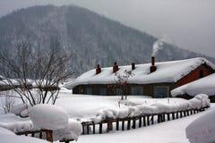 Aldea blanca de la nieve Fotografía de archivo