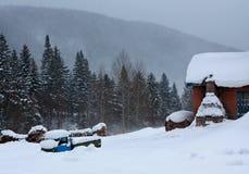 Aldea blanca de la nieve Imágenes de archivo libres de regalías