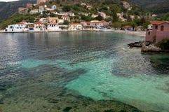 Aldea de Assos en Cephalonia Foto de archivo libre de regalías