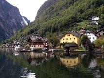 Aldea de Hallstatt en Austria Imagen de archivo