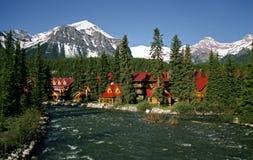 Aldea de Lake Louise Fotografía de archivo libre de regalías