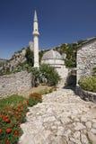 Aldea de Pocitelj, con la mezquita y la fortaleza Imagenes de archivo