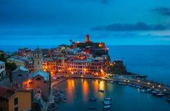 Aldea de Vernazza, Cinque Terre, Italia Foto de archivo libre de regalías