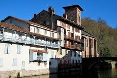 Aldea del Santo-Jean-De varios colores-de-Acceso en provincia basque Foto de archivo libre de regalías