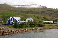Aldea en Islandia del este Imagen de archivo