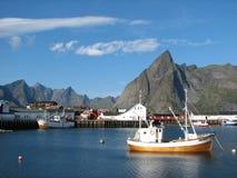 Aldea en las islas de Lofoten Foto de archivo