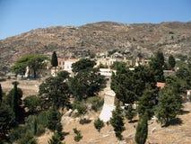 Aldea en las montañas de Crete Fotos de archivo libres de regalías