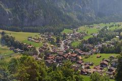 Aldea en Suiza Fotos de archivo libres de regalías