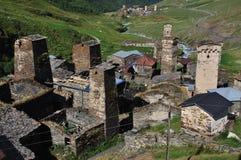 Aldea Usghuli en Svaneti, Georgia Fotografía de archivo