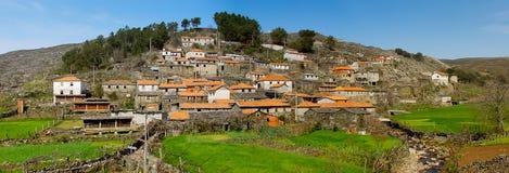Aldea vieja del moutain en Portugal Fotografía de archivo