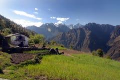 A aldeia da montanha fotos de stock