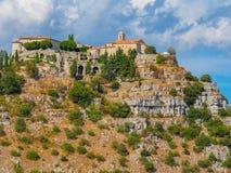 Aldeia da montanha de Gourdon, França fotos de stock royalty free