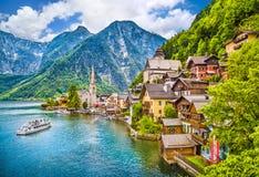 Aldeia da montanha de Hallstatt, Salzkammergut, Áustria Foto de Stock Royalty Free