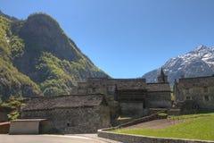 Aldeia da montanha em Ticino Fotografia de Stock Royalty Free