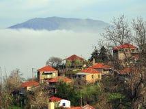 Aldeia da montanha grega Fotos de Stock Royalty Free