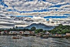 Aldeia piscatória asiática Dumaguete do estilo antigo foto de stock