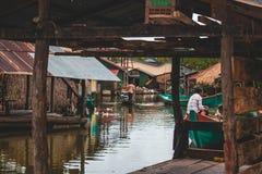 Aldeia piscatória em Kampot Camboja fotografia de stock