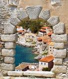 Aldeia piscatória tradicional de Limeni em Peloponnese, Mani Imagem de Stock Royalty Free