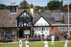 Alderley krawędzi krykieta klub jest amatorskim krykieta klubem opierającym się przy Alderley krawędzią w Cheshire Obrazy Stock