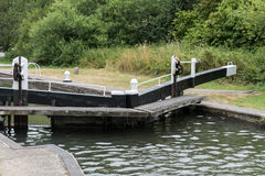 ALDERMASTON, BERKSHIRE UK - JULY 5 : Lock on the Kennet and Avon Royalty Free Stock Photography