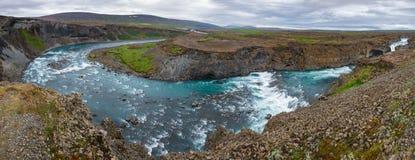 Aldeyjarfosswaterval op Skjalfandafljot-rivierpanorama Noordoostelijk IJsland Scandinavië royalty-vrije stock fotografie