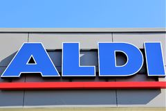 aldi超级市场商标- Luegde/德国的图象- 10/01/2017 免版税库存照片