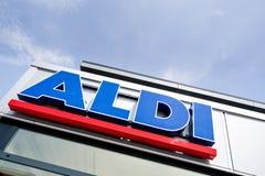Aldi-Beschriftung an der Niederlassung lizenzfreies stockbild