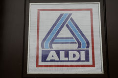 ALDI GROCERY AND FOOD STORE_GERMAN CHAIN MARKET Stock Photography
