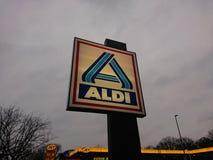 Aldi-Rabatt-Supermarktemblem Lizenzfreie Stockfotos
